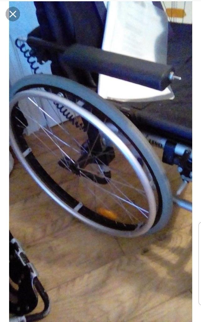 Rising wheelchair