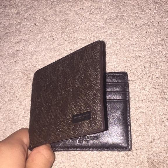 Michael kors wallet used once