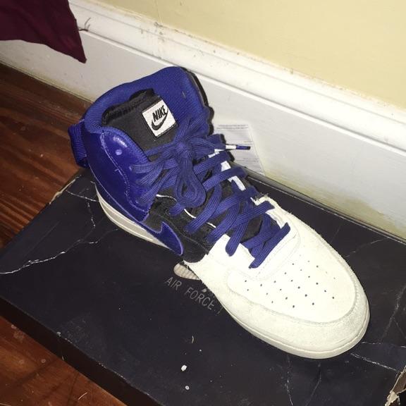 Nikes Size 9