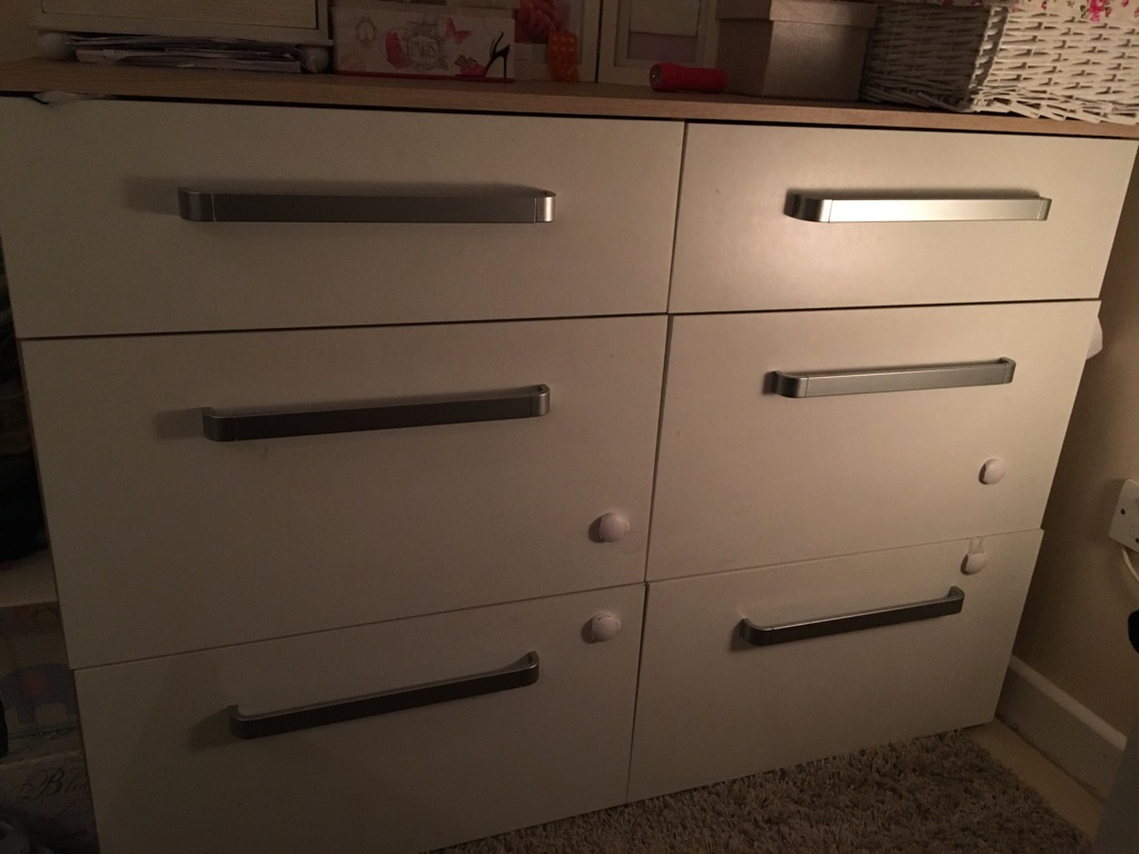 Chest of 6 and 2 drawers
