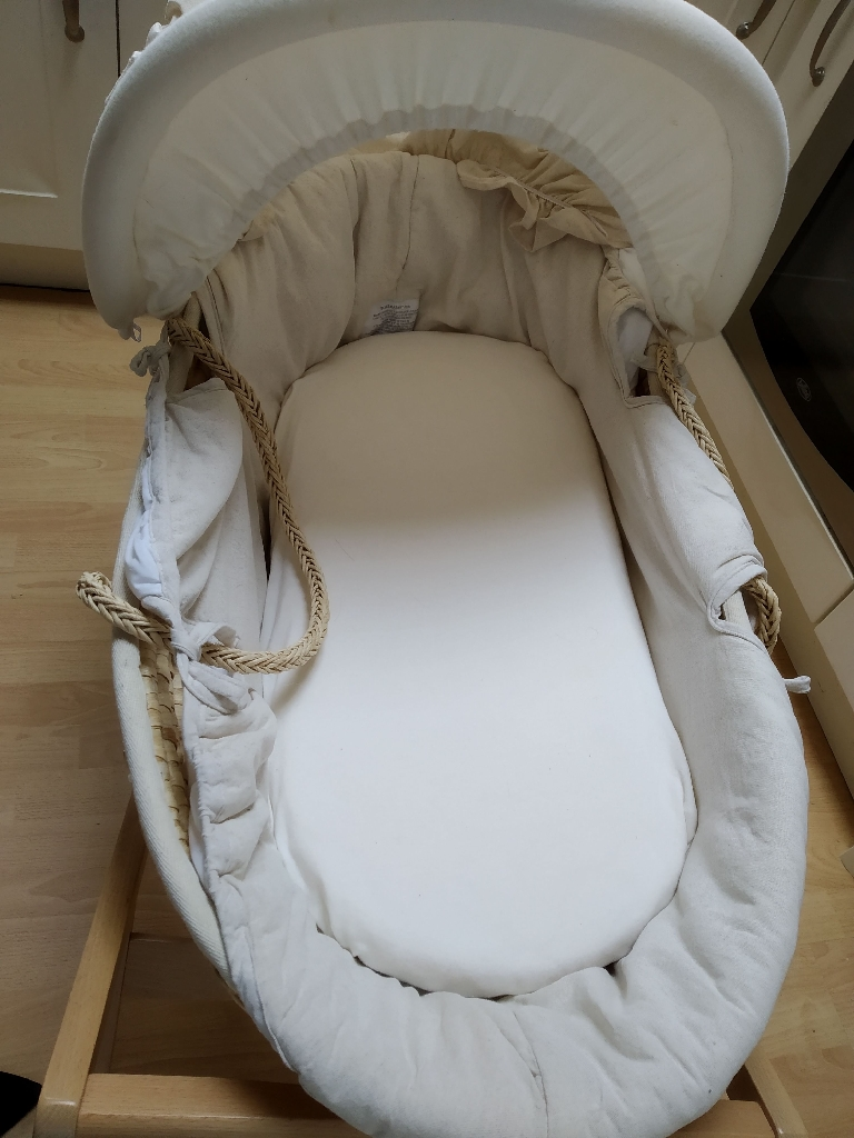 Moses basket - Mama's and Papa's - barely used