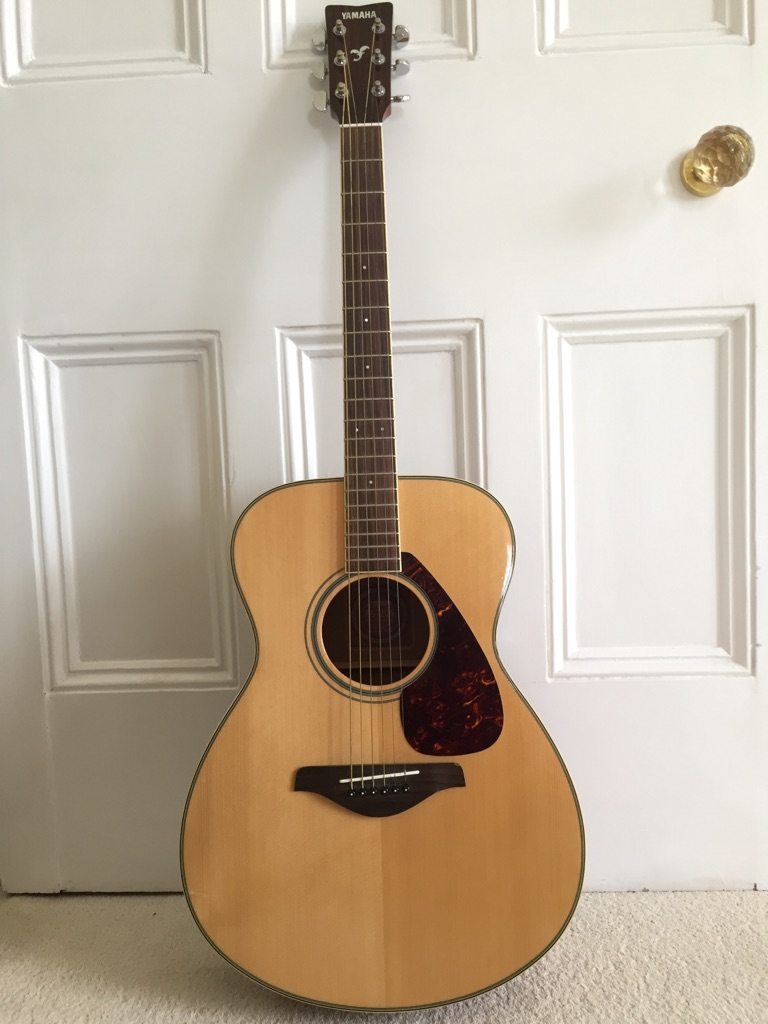 Yamaha FS720S Concert Acoustic Guitar