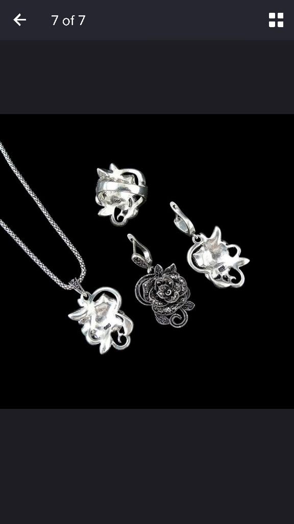 vintage rose necklace set