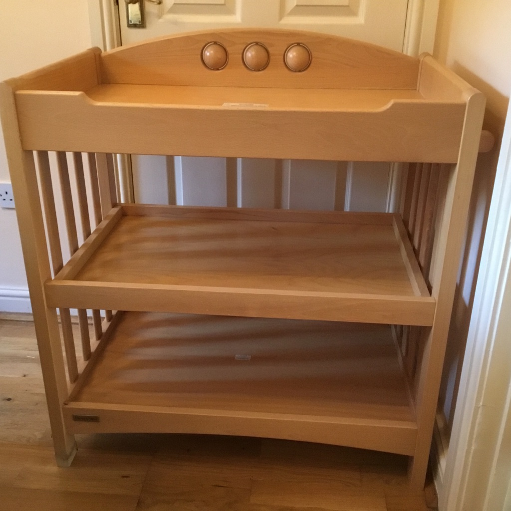 Mamas and Papas Amelia Changing Table with Storage Shelves