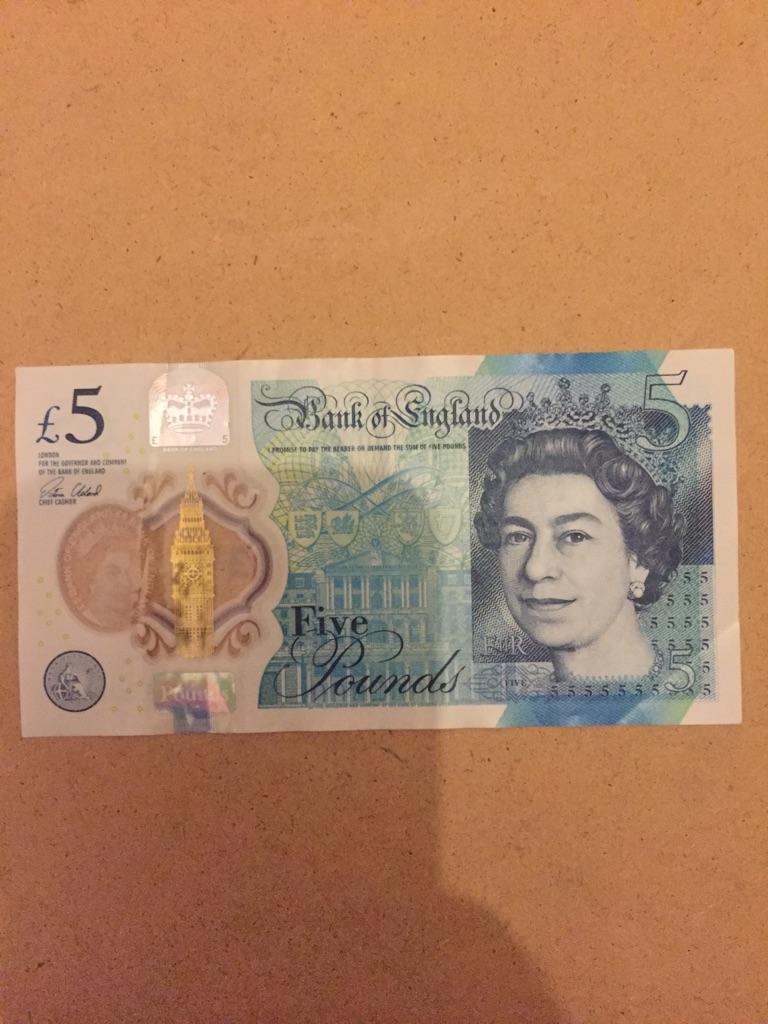 5 pound note AK47. 459369.