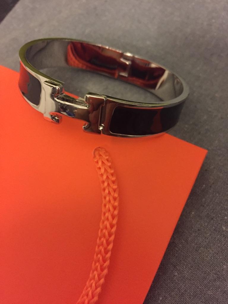 Click bracelet