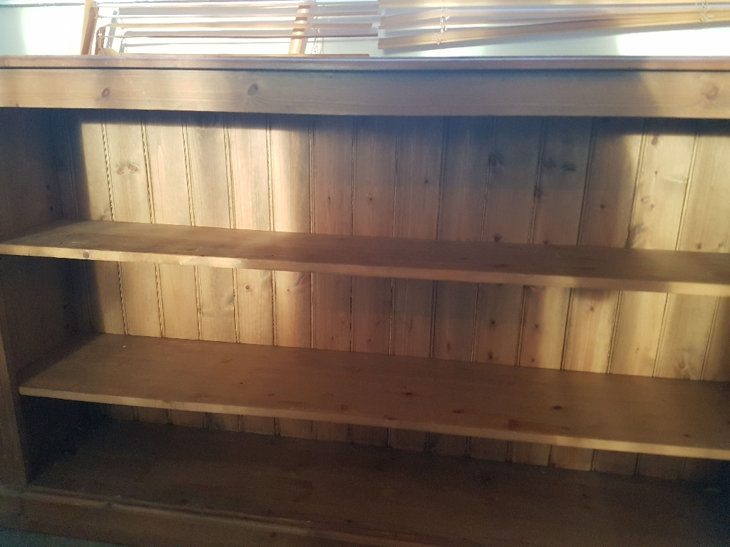 Oak side board / book shelf