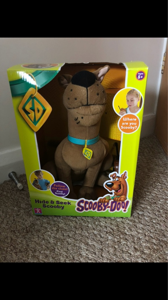 Scooby doo hide and seek game with box