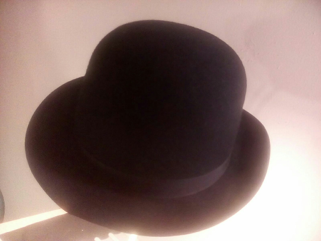VINTAGE .  HAT   100% WOOL  FROM 1930''S