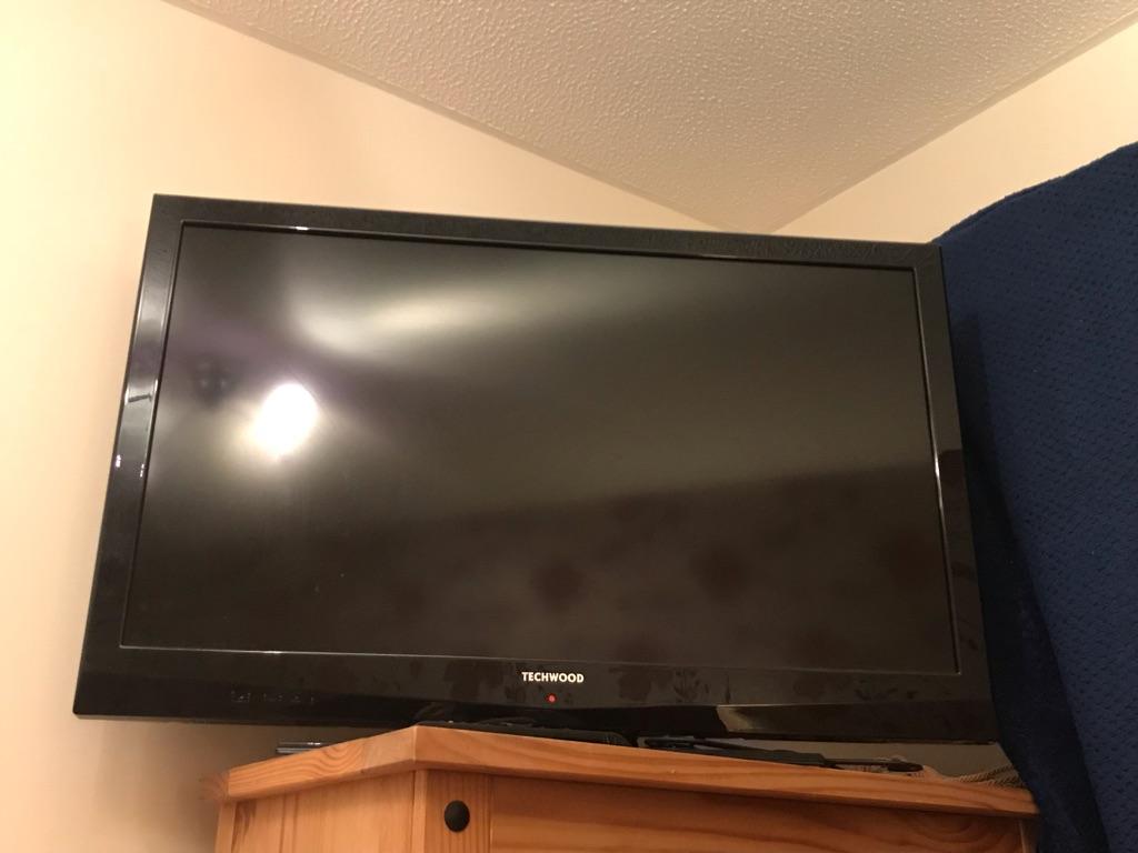 Techwood 42 Inch TV