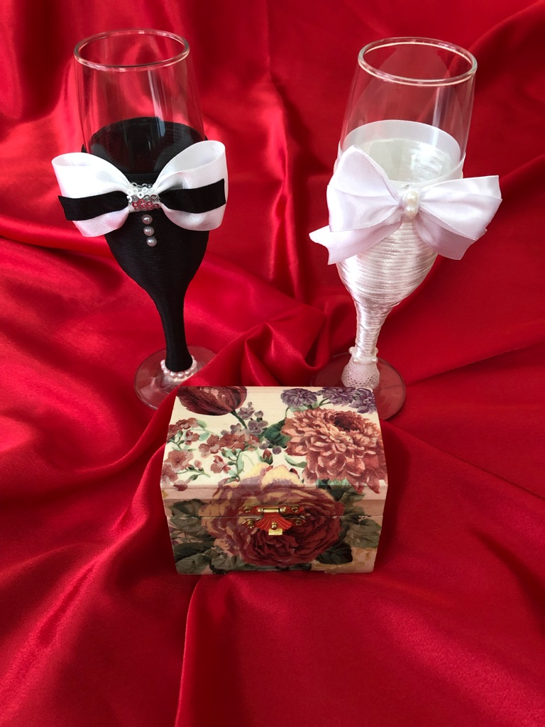 Wedding glasses and box
