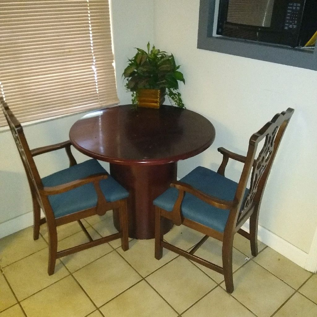 Table amd two chairs