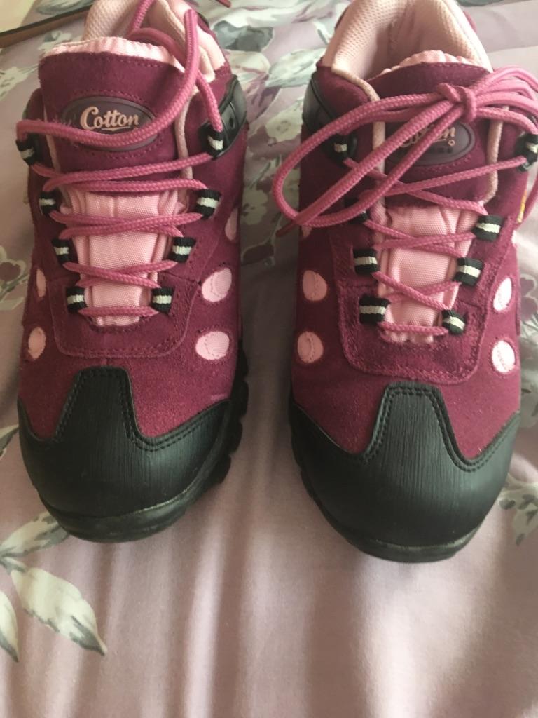 Cotton traders waterproof walking shoes size 4 eu37