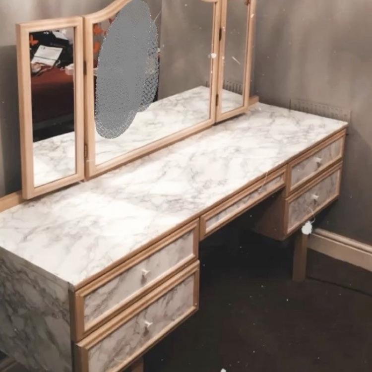 Table/Vanity/makeup Table