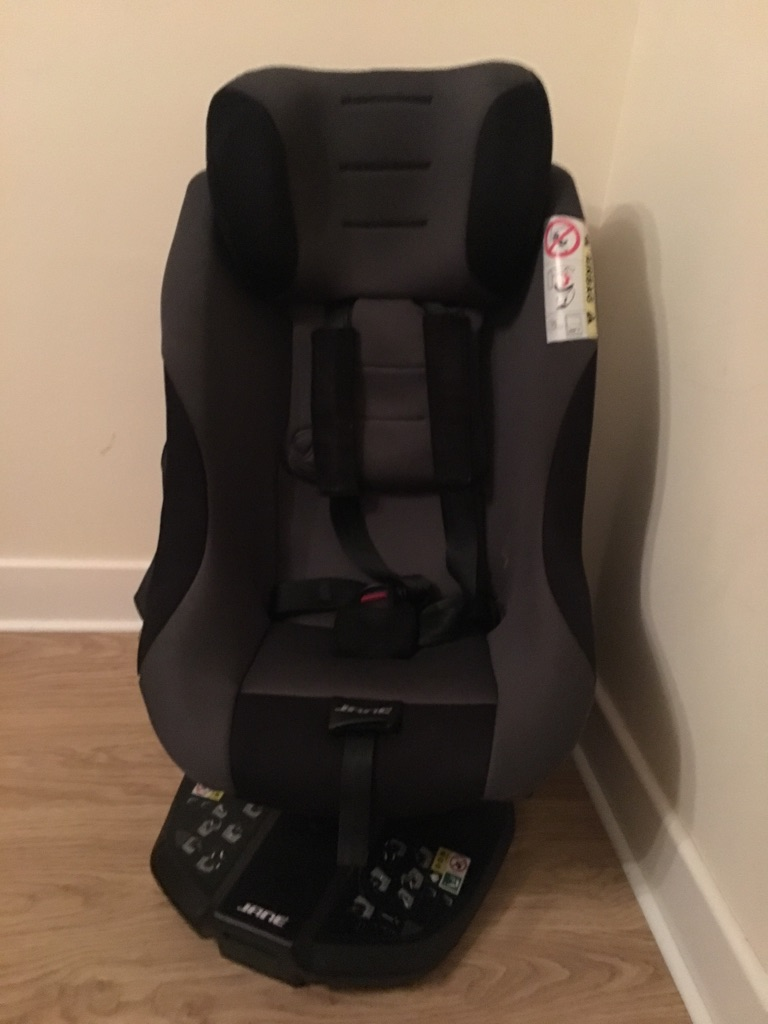 a JANE Gravity 360 Isofix car seat
