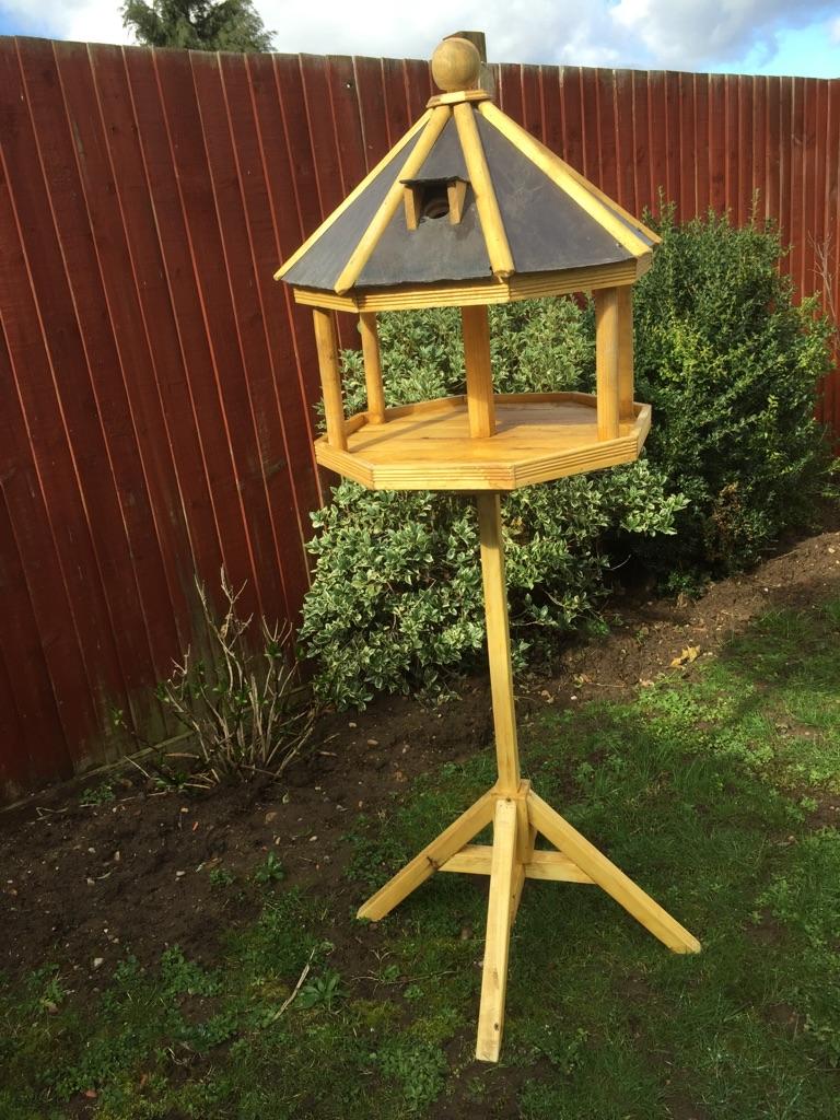 Bird table/feeder/nestbox