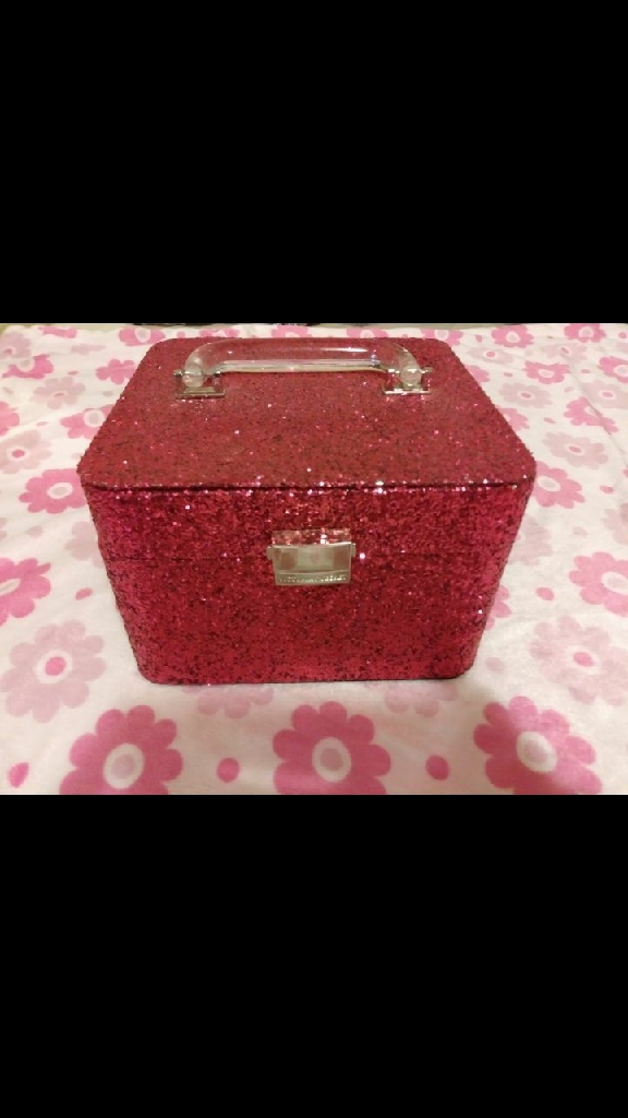 VICTORIA'S SECRET MAKEUP BOX