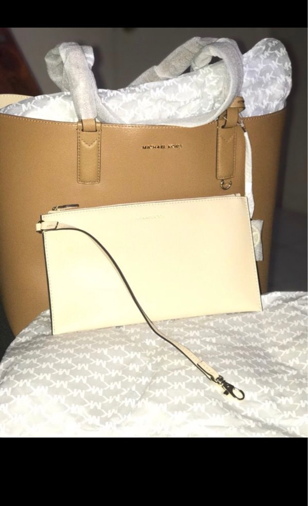 Michael Kors Purse with mini hand bag 2-in-1