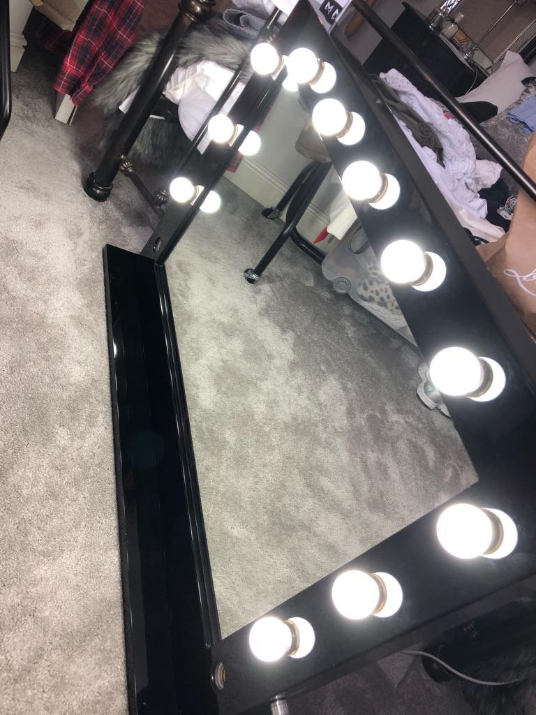 Black Gloss Hollywood Mirror