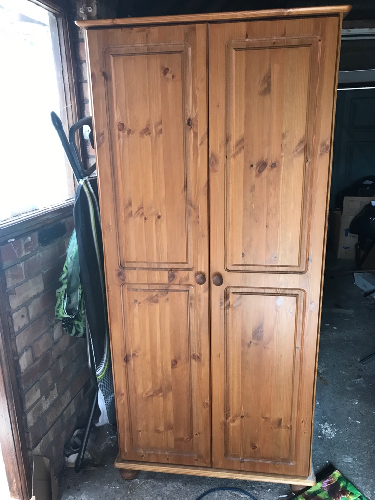 Richmond doubledoor pine wardrobe