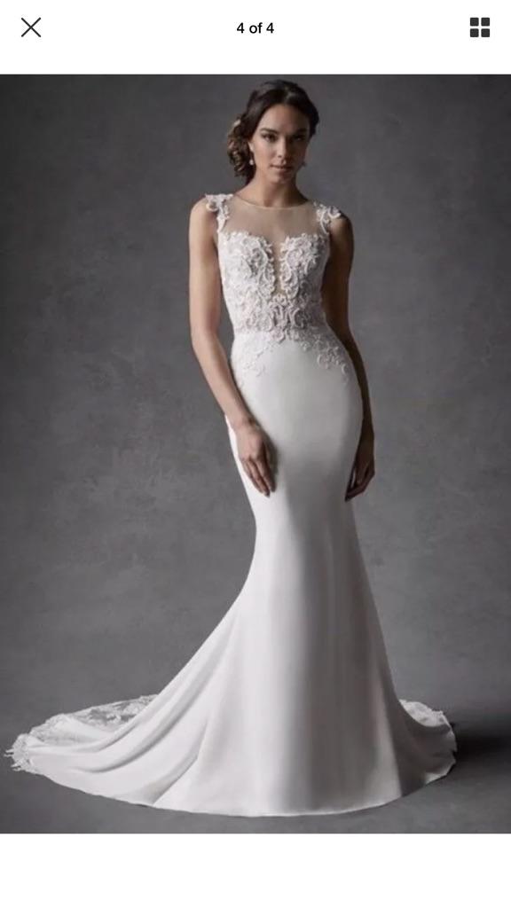 Brand new with tags stunning wedding dress