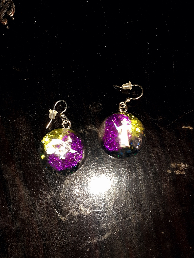 Witch bubble earrings 🕷