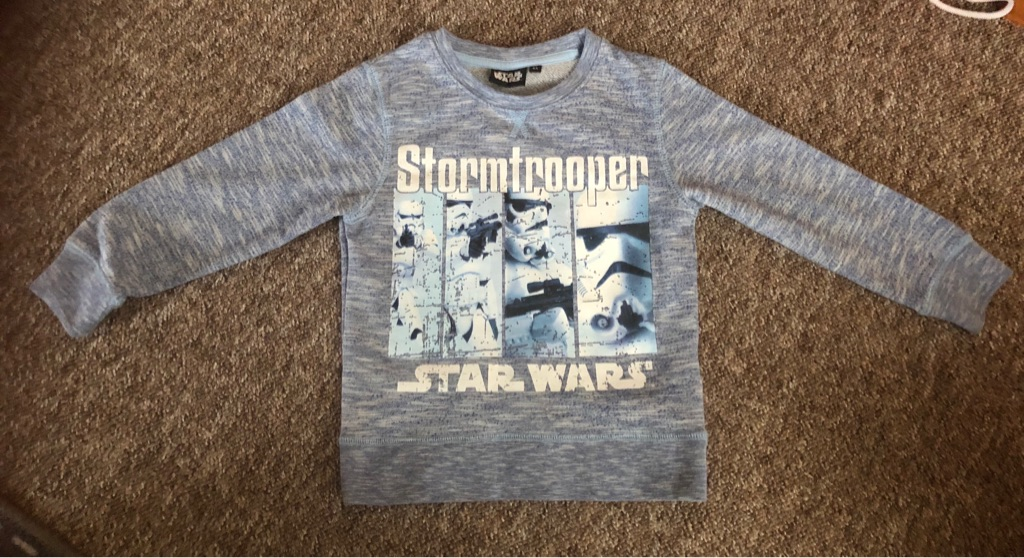 Boys Star Wars long sleeved top age 4?