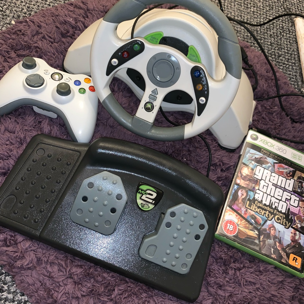 Xbox 360 game wheel with controller and game