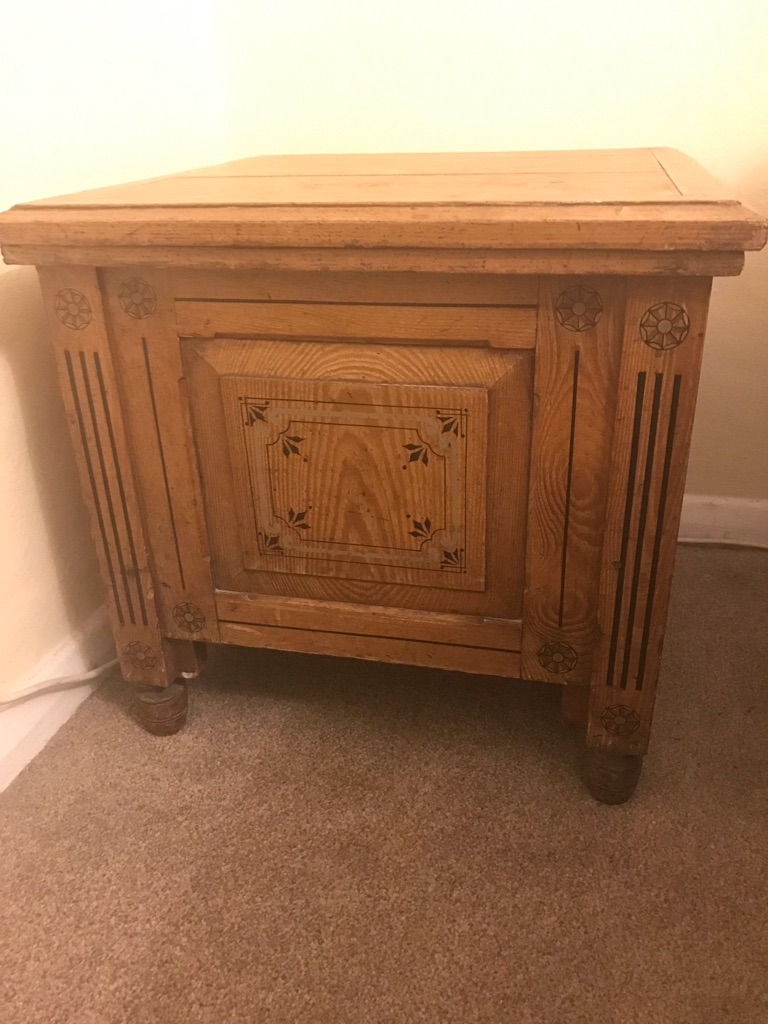 "Victorian Table ""commode"""