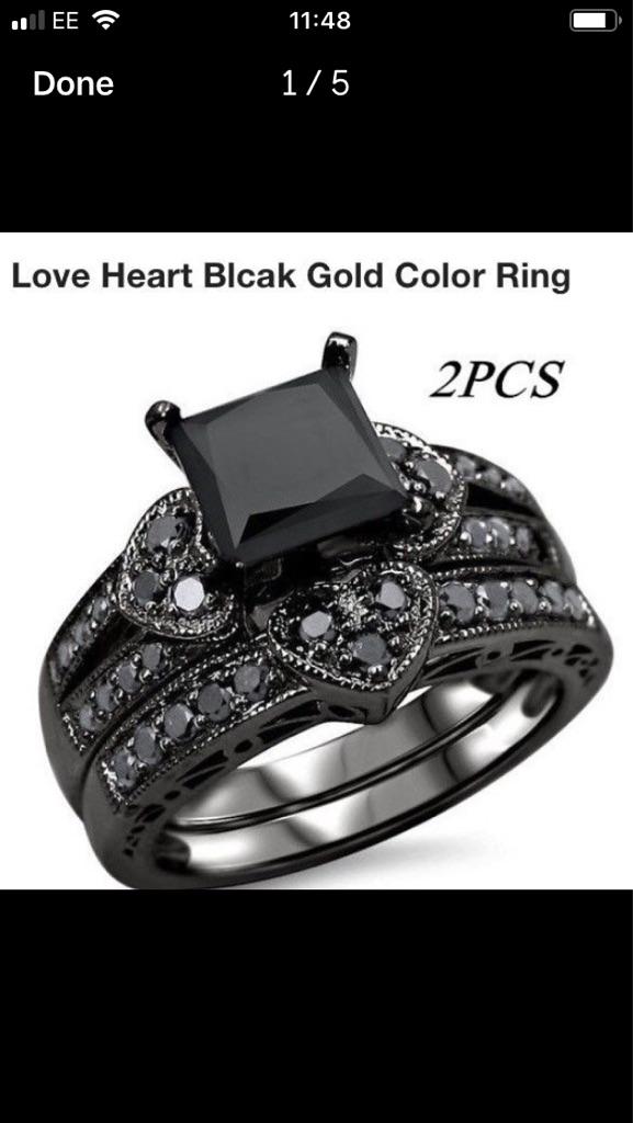 Black gold ring set