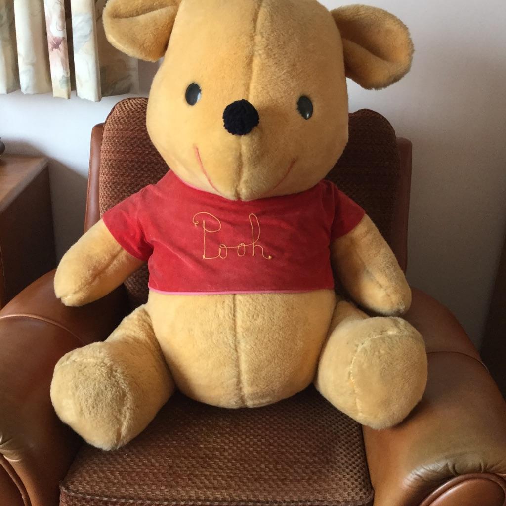 Large Pooh Bear