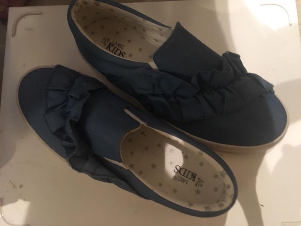 Marks and Spencer's blue frilled pumps Size 6
