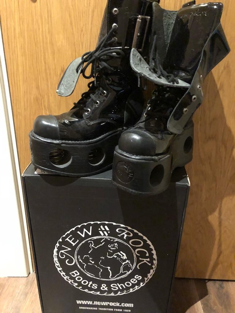 New Rock boots size 6, EU39