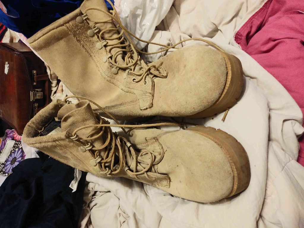 Service Boots