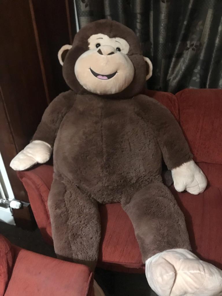 Giant 5ft stuffed monkey.