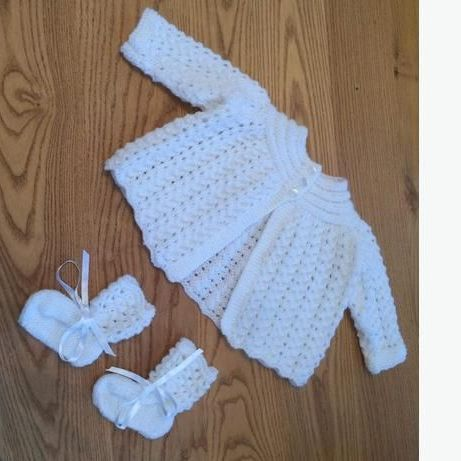 Handmade knitted baby cardigan and booties set-white