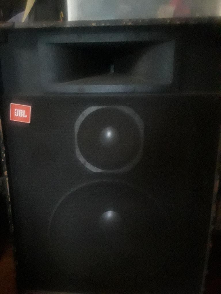 2 JBL p.a. speakers