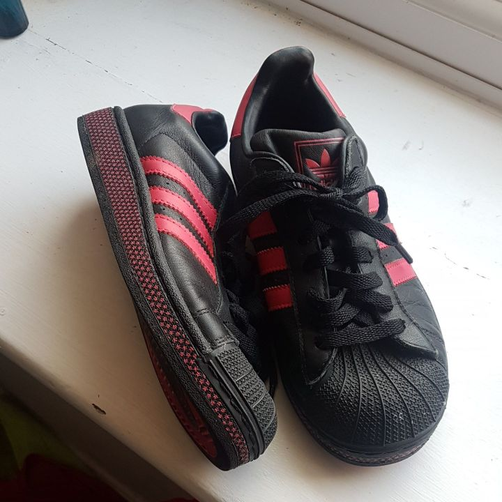 Adidas ladies trainers size5
