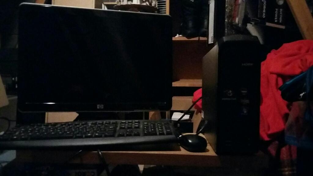 HP 1tb Desktop PC