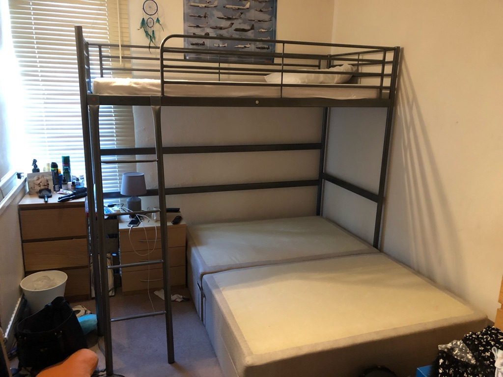Kids bunkbed and mattress