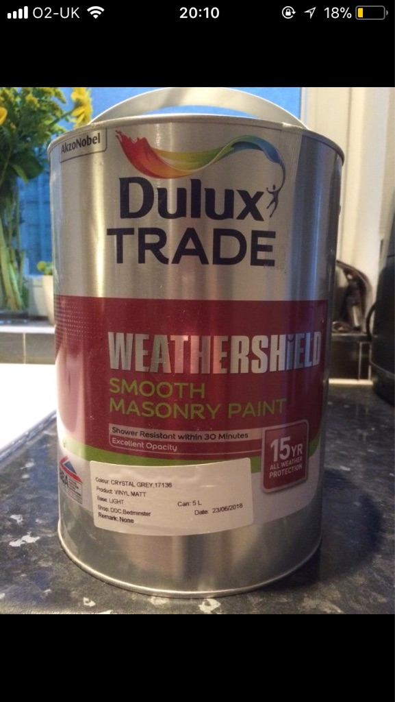 Dulux smooth masonry paint-2 tins of crystal grey