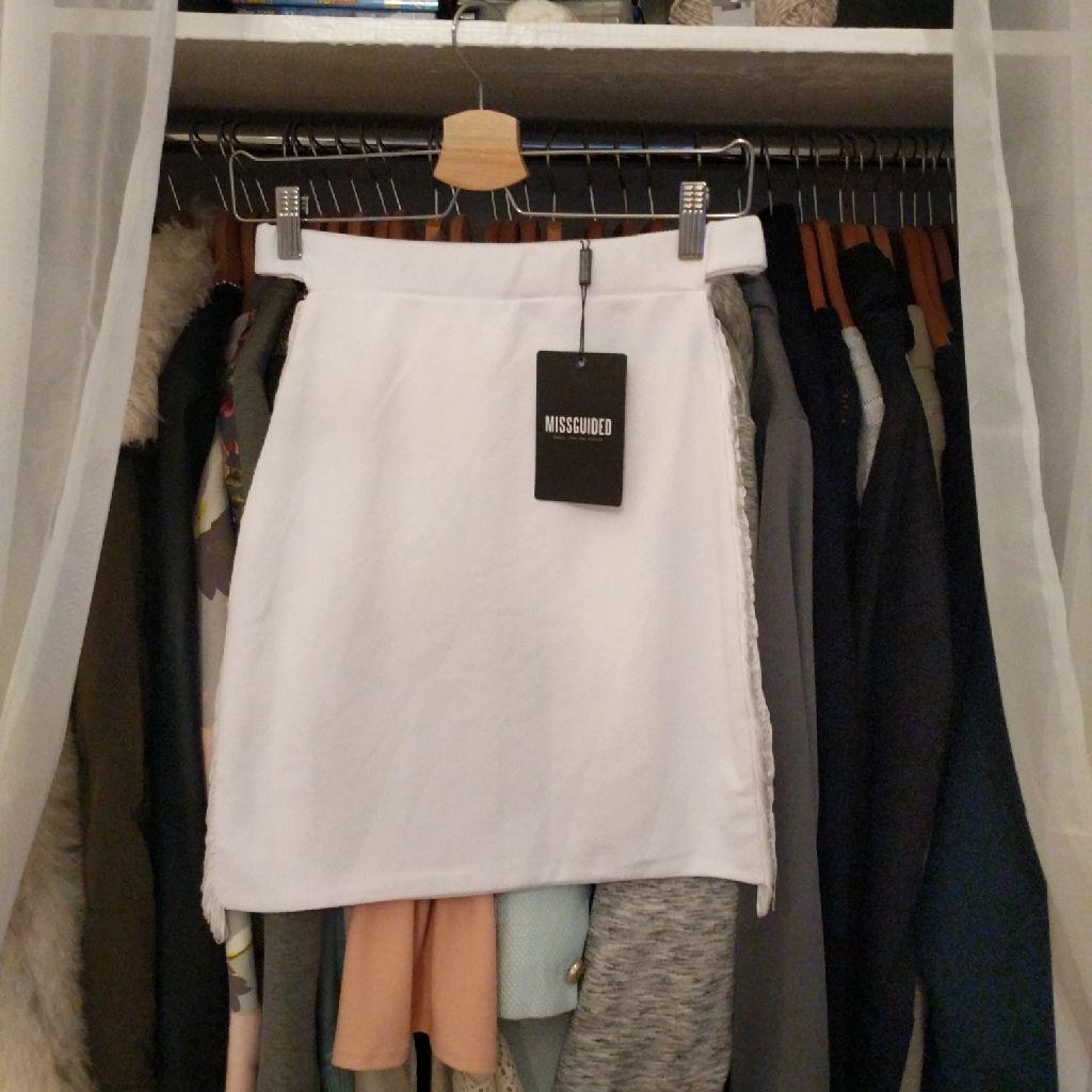 Missguided skirt 12