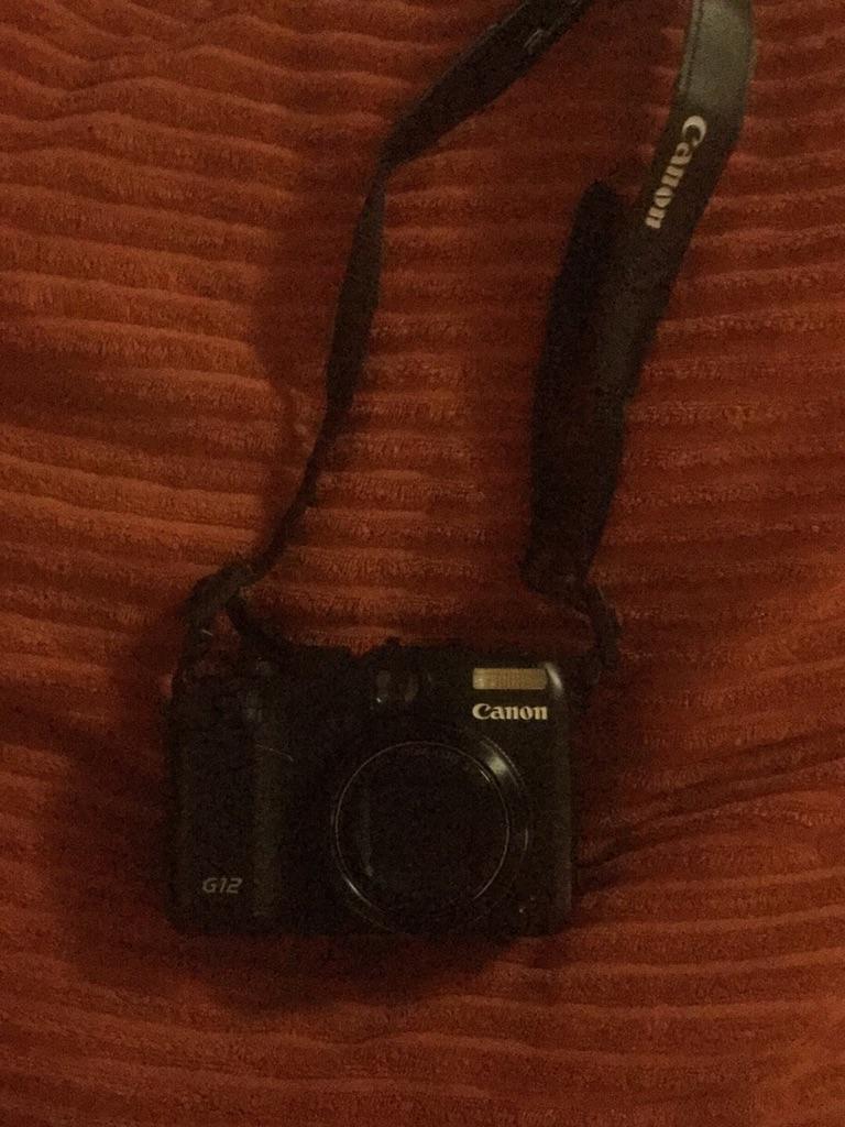 Canon g12 powershot digital camera