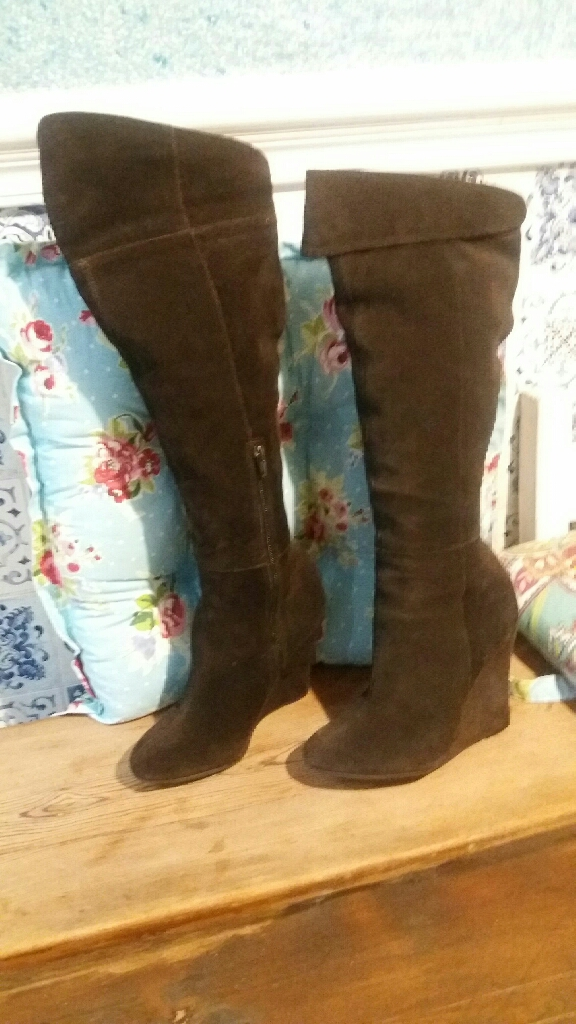 River island brown suede boots
