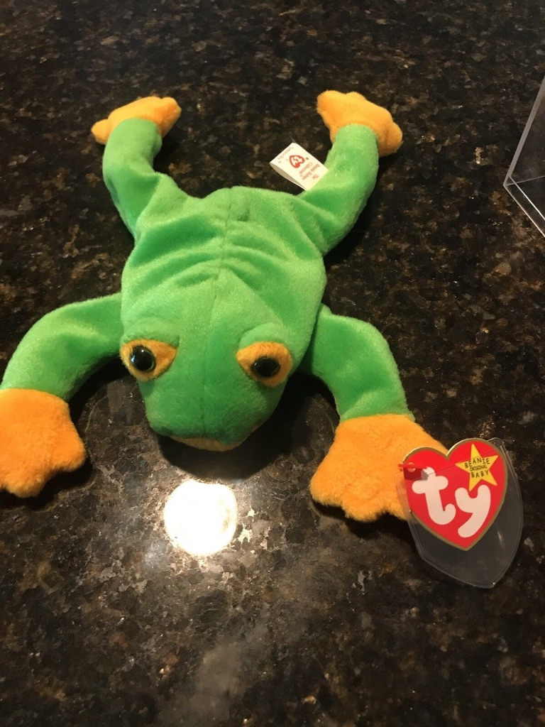 Nwt retired ty 1997 smoochy the frog beanie baby date of brith October 1st 1997