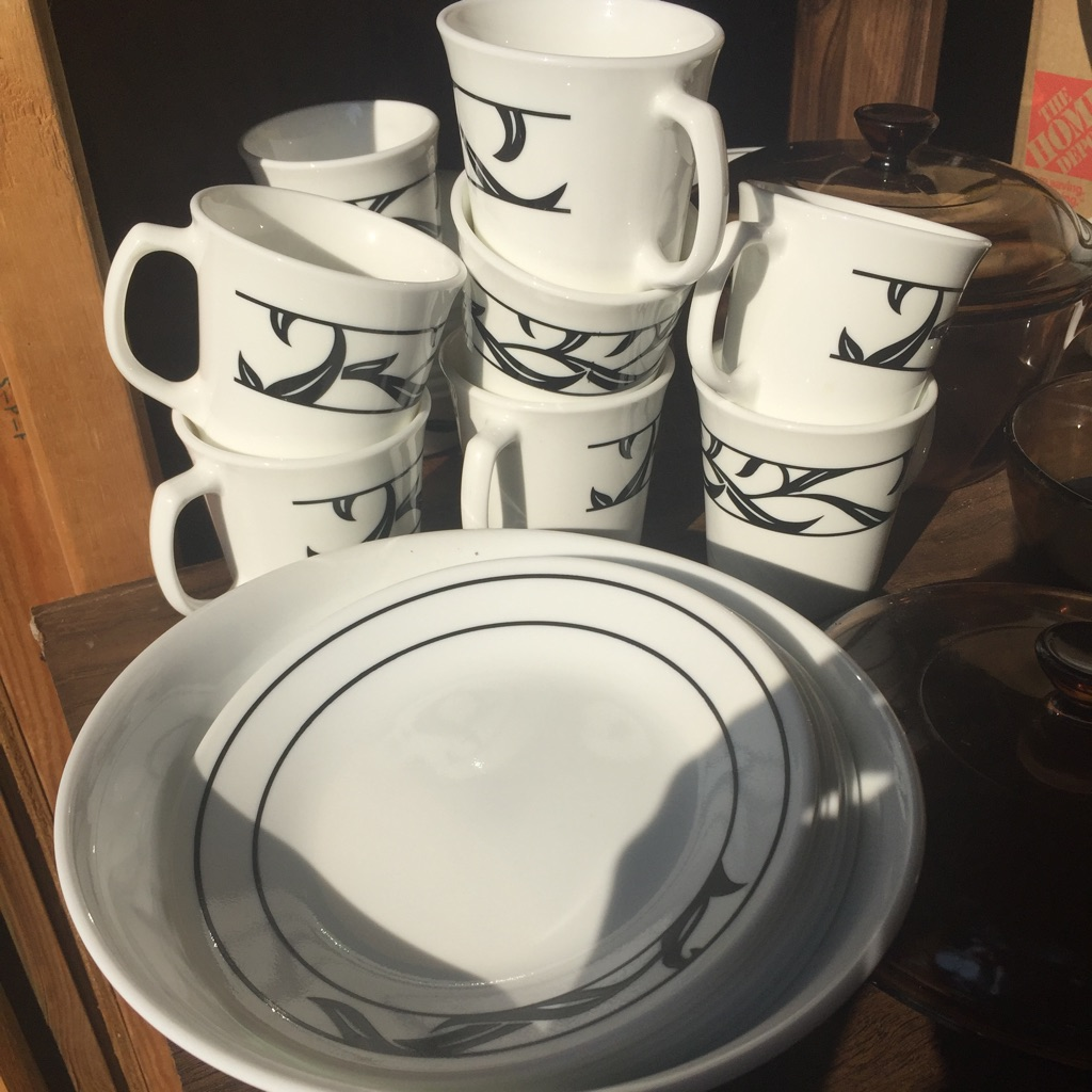 Vintage Corningware Dinning Set