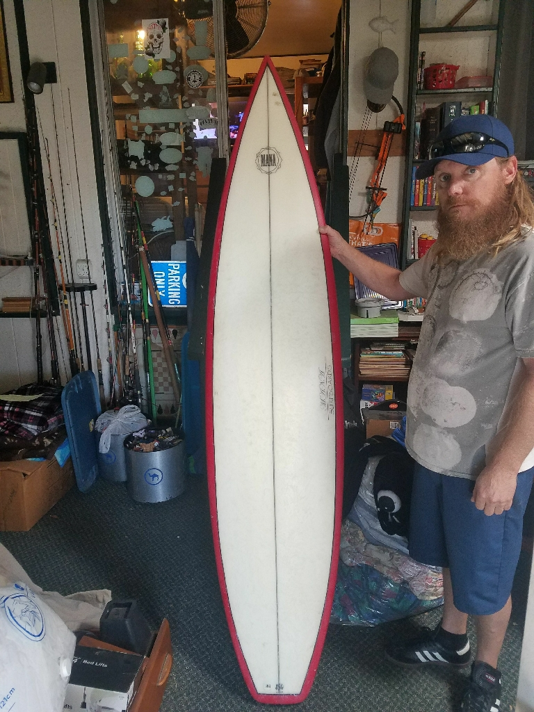 Mana tri fin surfbaord