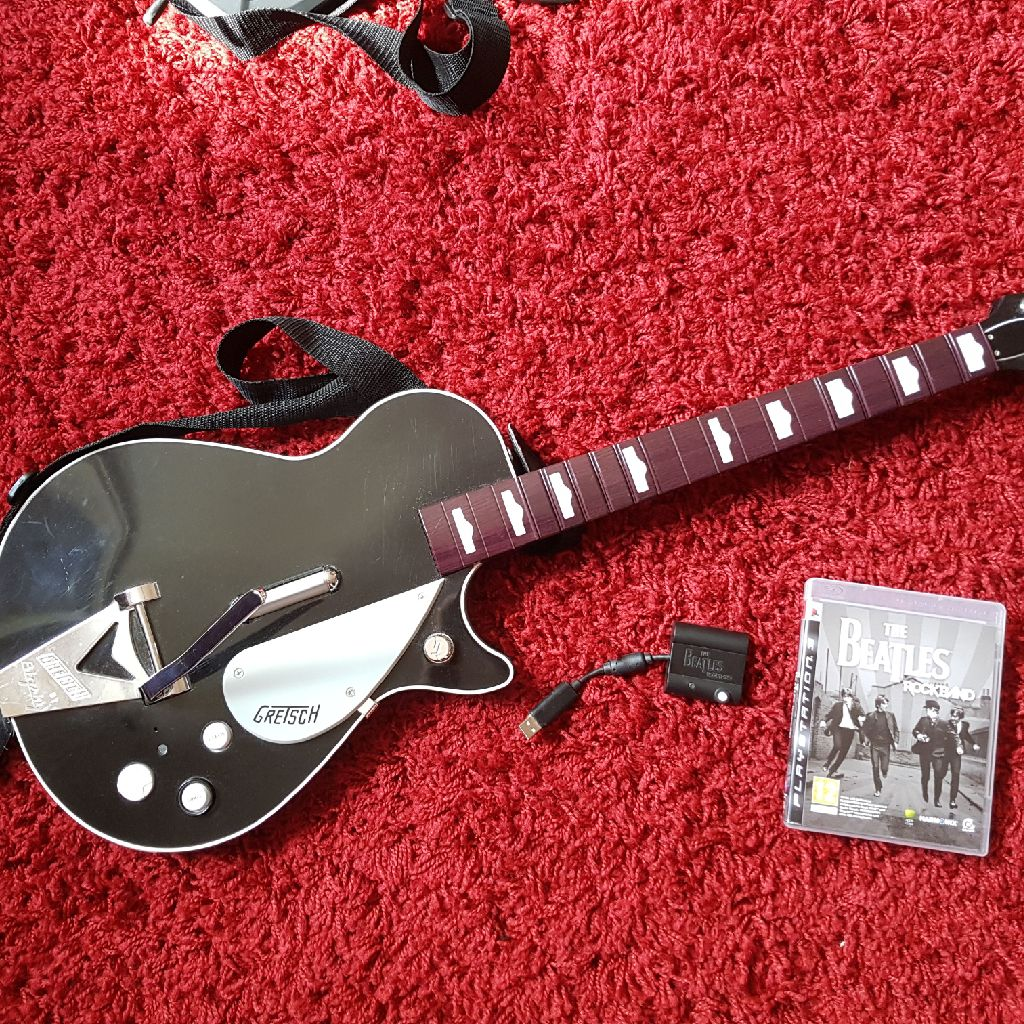 Beatles Rockband Gretsch Guitar and game ps3