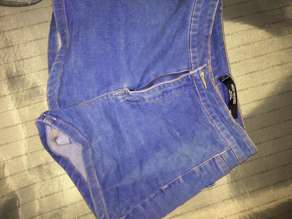 Short booty summer shorts