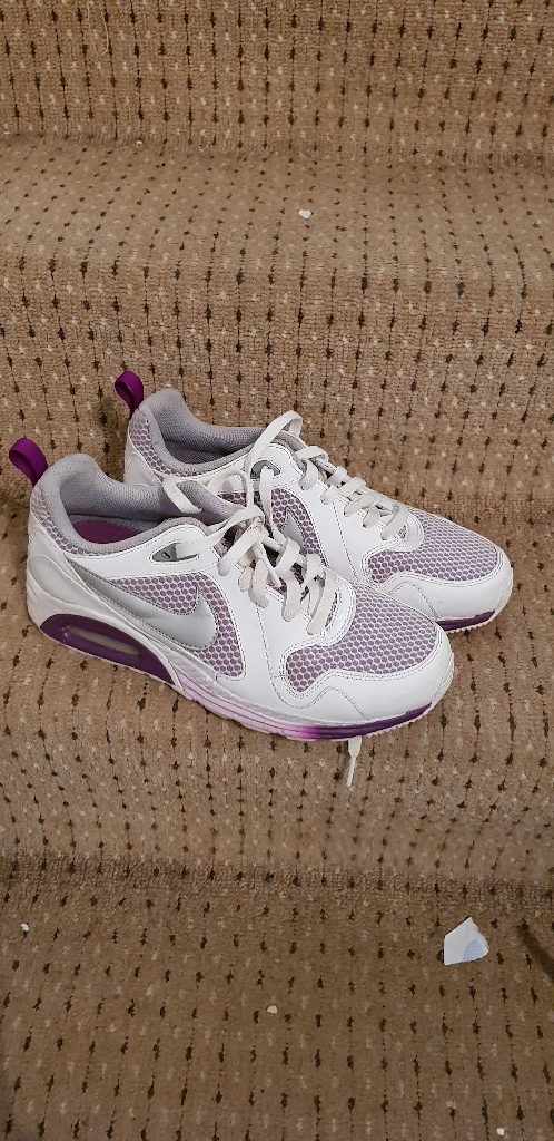 Women's trainers